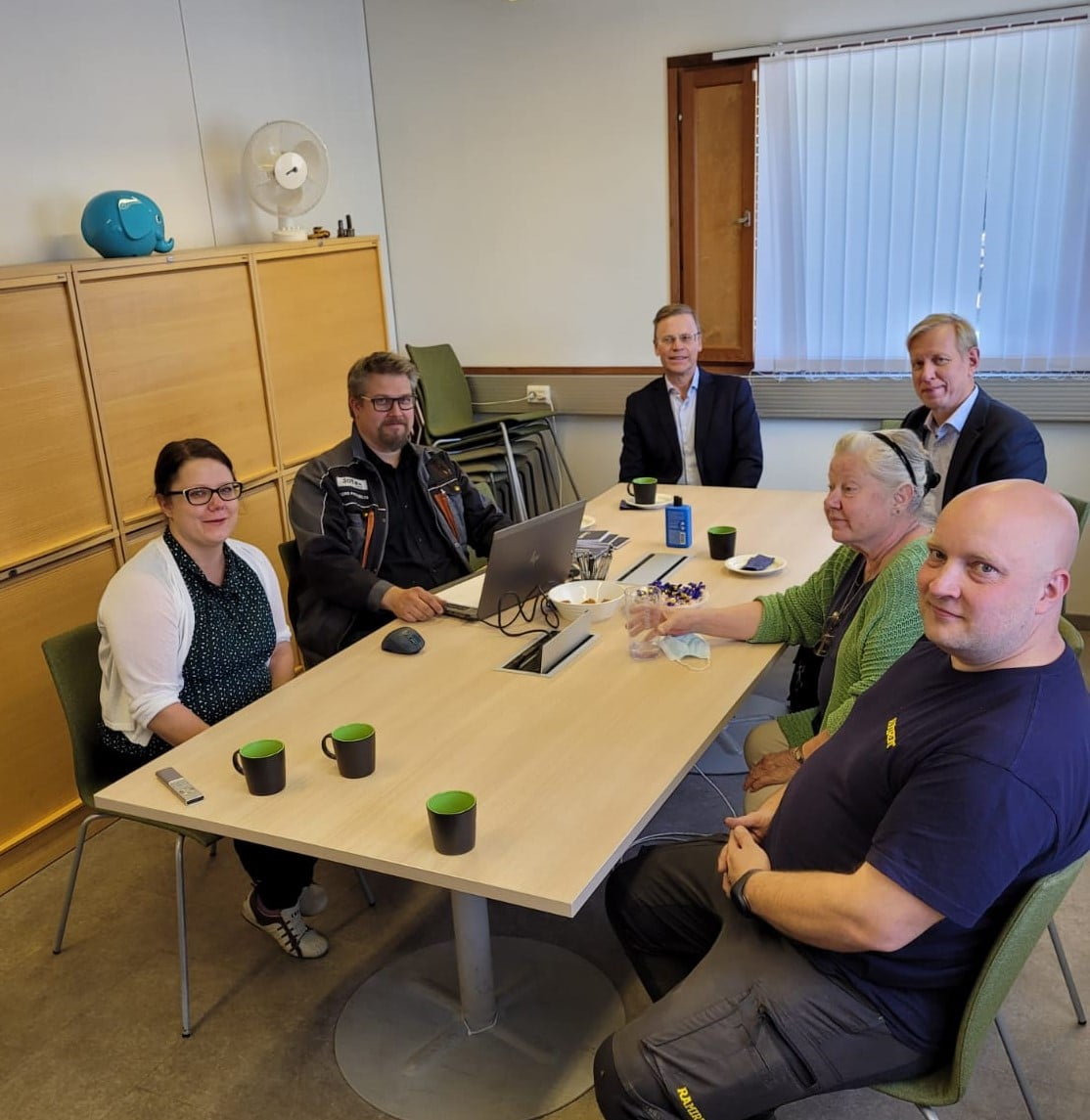 Jotex Works Oy:n hallitus henkilöt vasemmalta oikealle: Outi Pikkusilta, Tero Pikkusilta, Tarmo Karhapää, Ola Ulmala, Sisko Välimaa ja Jere Välimaa.